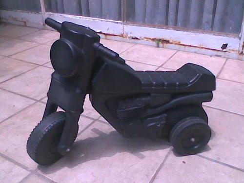 "Take the kids black bikes ""skopfietsies"" with?  Take the kids b..."