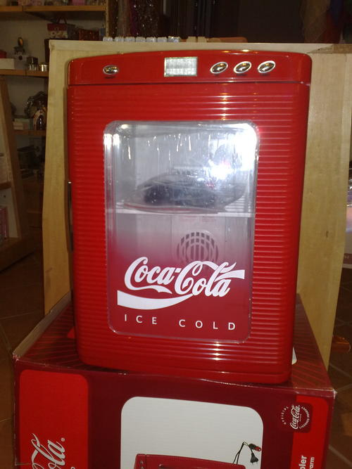 Coca Cola Fridge >> Fridges & Freezers - Coca Cola Fridge was listed for R1,160.00 on 29 Nov at 23:31 by reddbull in ...