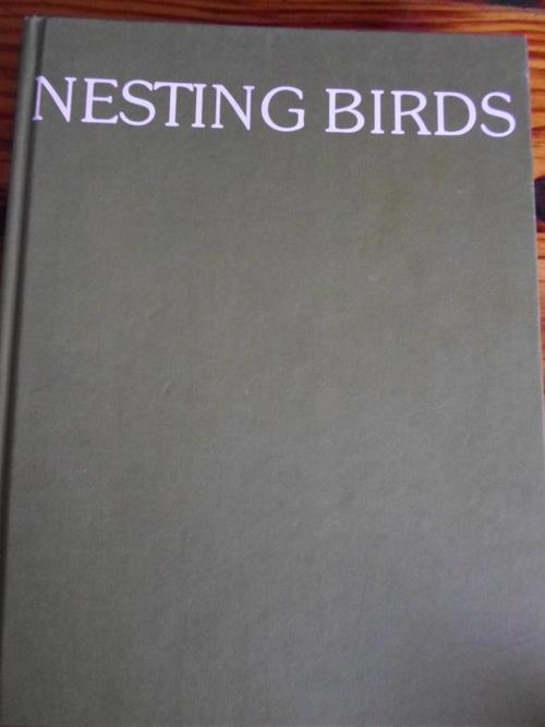 nesting and breeding habits of birds Pet small bird nesting habits breeding when you recognize what's happening and are willing to set up an environment for your bird that discourages breeding.