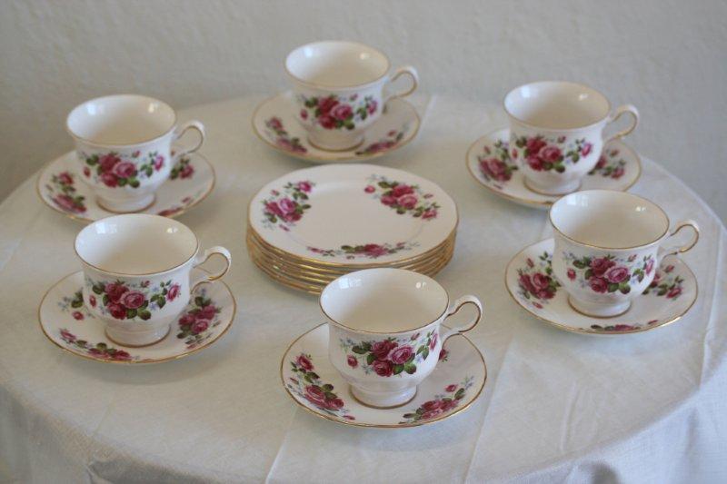 english porcelain wow 18pce queen anne bone china tea. Black Bedroom Furniture Sets. Home Design Ideas