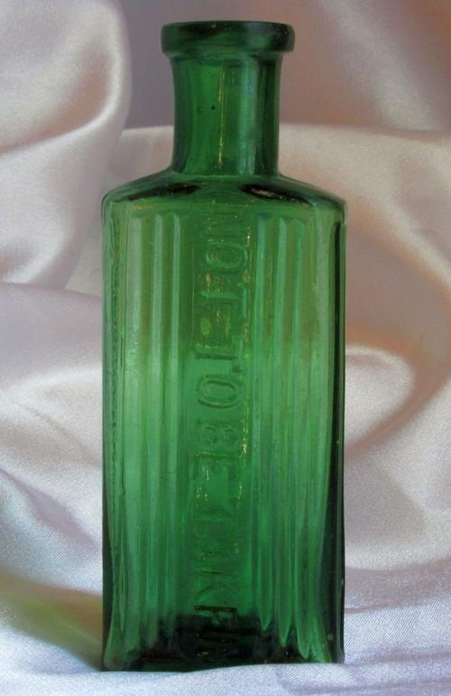 """Bottles - OLD GREEN POISON BOTTLE: A Small """"Old Green ..."""