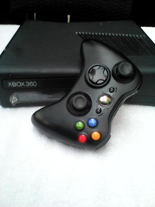 Consoles xbox 360 console and xbox 360 kinect 250gb hd model 1439 was sold for r1 - Xbox 360 console with kinect ...