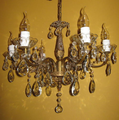 Chandeliers, Lighting - Furniture Store Directory