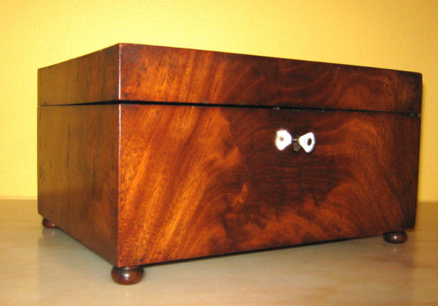 ANTIQUE FLAME MAHOGANY JEWELLERY BOX