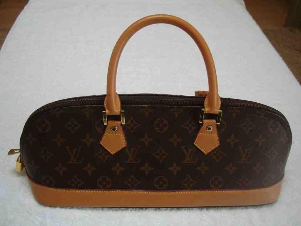 Louis Vuitton Monogram Handbag - Made in France - 1024 x 768  19kb  jpg