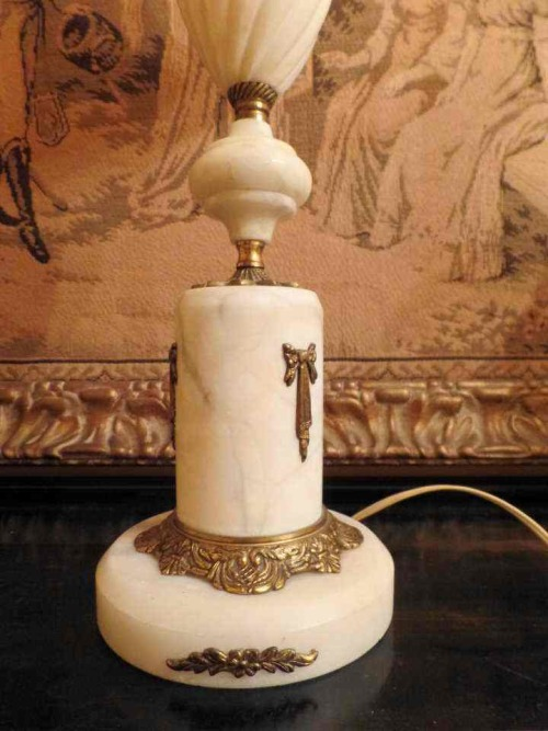 VINTAGE SOLID BRASS & MARBLE TABLE LAMP