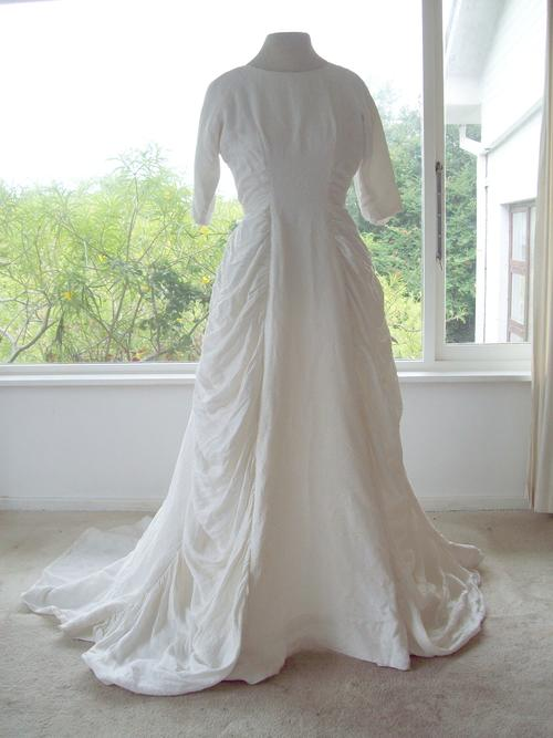 Ball Gown Wedding Dress Material : Vintage s ball gown wedding dress size in white damast fabric