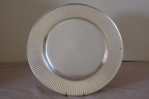 Silver AN INCREDIBLE COLLECTION OF 12 LARGE SILVER PLATED DINNER PLATE CH