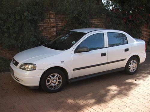 opel 2002 opel astra classic 1 6cd a c 186100km asking r41000 retail r49300 cell 0825601450. Black Bedroom Furniture Sets. Home Design Ideas