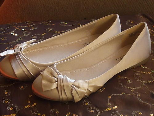 Bridal Accessories BRANDNEW GORGEOUS CHAMPAGNE SATIN WEDDING SHOES SIZE