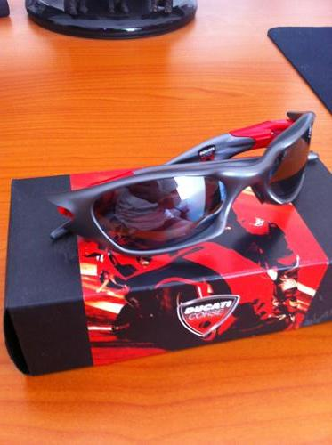 726c3abace452 Oakley Valve Ducati « Heritage Malta