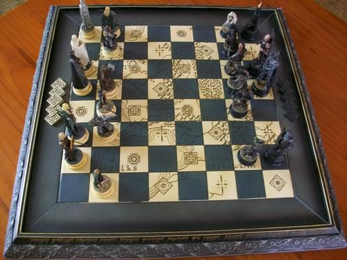 Other Ornaments Incomplete Lord Of The Rings Chess Set