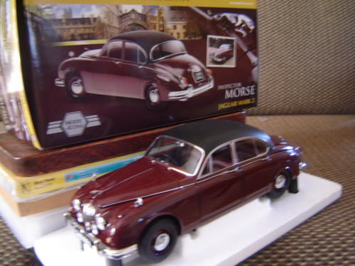 models stunning inspector morse jaguar mk2 scale 1 18 by. Black Bedroom Furniture Sets. Home Design Ideas
