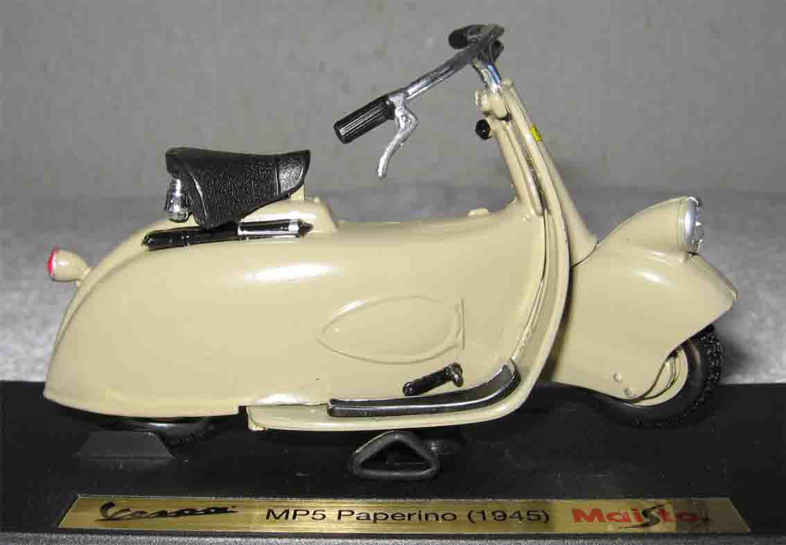 SCARCE 1945 VESPA MP5 PAPERINO 1/18 SCALE by MAISTO
