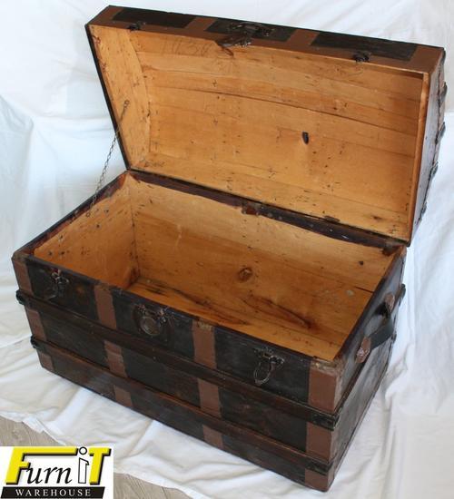 Maritime unique vintage seamans pirate chest good for Seamans furniture