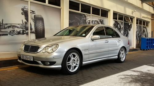 mercedes benz 2004 mercedes benz c32 amg still has. Black Bedroom Furniture Sets. Home Design Ideas