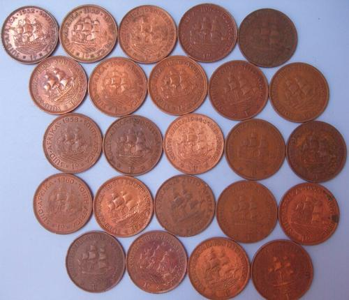 19 1900 brons bronze pennies penny coins george rex elizabeth 1960 1959 1927 1929 1930 1933 1934 1935 1936 1937 1940 1941 1942 1944 1945 1950 1951 1952 1953 1954 1955 1956 1957 1958 1958 60 collection bulk lot item south africa sa whole alot bargain low price must have edition collector coins auction weekend crazy cheap set years bid bidding wow massive  24 25 rand R25 under ship