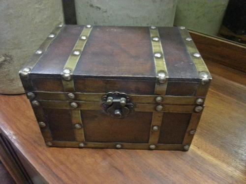 Chests kists small wooden kist chest was sold for