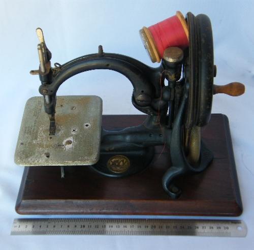 antique singer sewing machine serial numbers