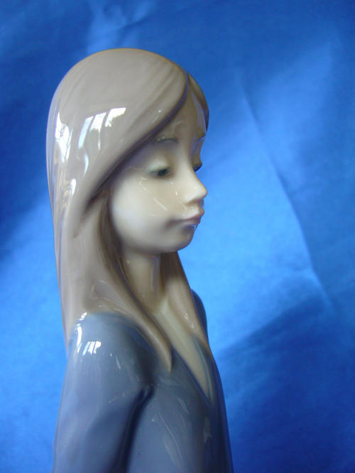 Other Ornaments Lladro Nao Figurine Girl With