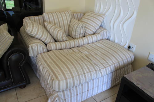 Lounge Suites Gorgeous Lazy Day Bed From Coricraft For