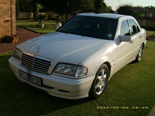 Mercedes benz 1999 mercedes benz c230 kompressor sport for 1999 mercedes benz c230