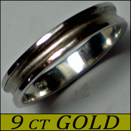 FINE CRAFTED ENHANCED WHITE GOLD MALE WEDDING BAND MATT GROOVE FINISHED