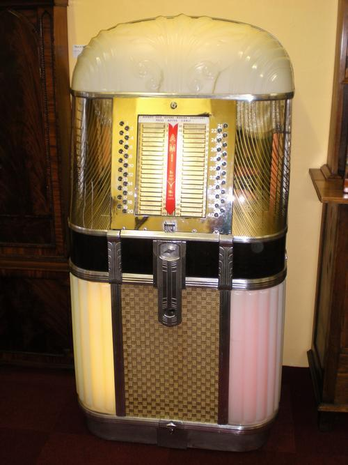 Jukebox 1950s http://www.bidorbuy.co.za/item/42945787/1948_1950_AMI_Model_B_Jukebox.html