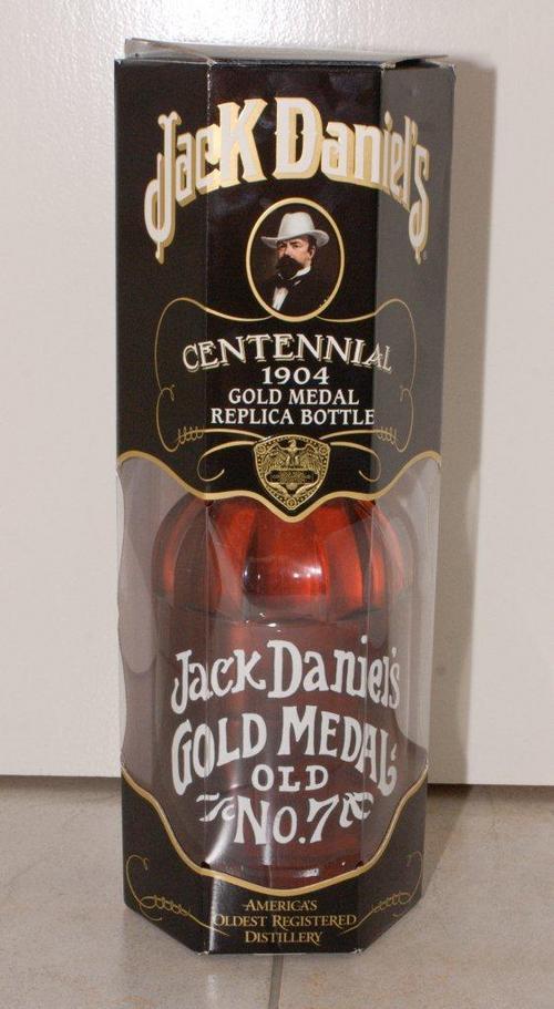 bar accessories jack daniels 1904 1 5 lt gold medal replica bottle was sold for r2 on. Black Bedroom Furniture Sets. Home Design Ideas
