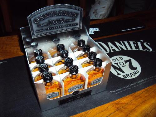 bar accessories jack daniels gentleman jack 12 bottle mini pack in box was sold for on. Black Bedroom Furniture Sets. Home Design Ideas
