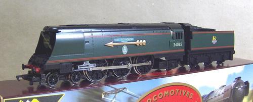 HORNBY R646 BATTLE OF BRITAIN class 501 SQUADRON 34085 LTD ED Nr Mint BOXED