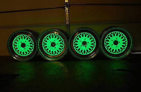 Glow in the dark mag wheels