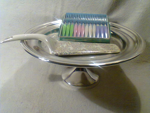 Gold Art Deco Cake Stand : Utensils - Old Vintage Art Deco Cake Lifter &