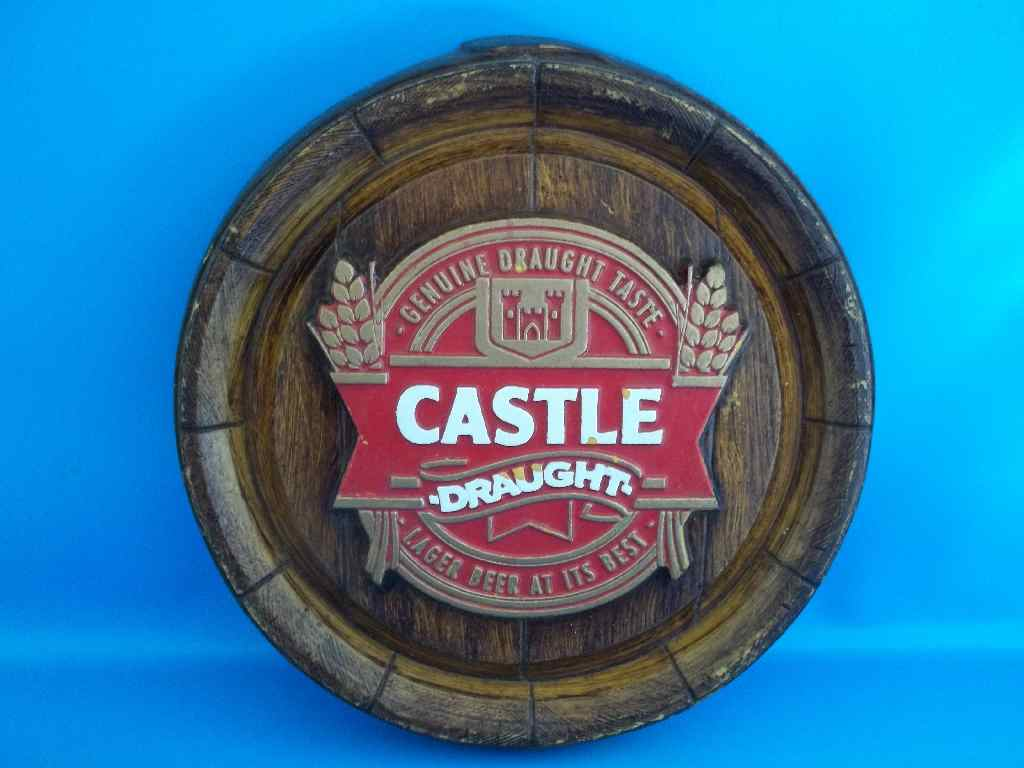 bar accessories miniature castle draught bar polystyrene decorative plaque diameter 26cm. Black Bedroom Furniture Sets. Home Design Ideas