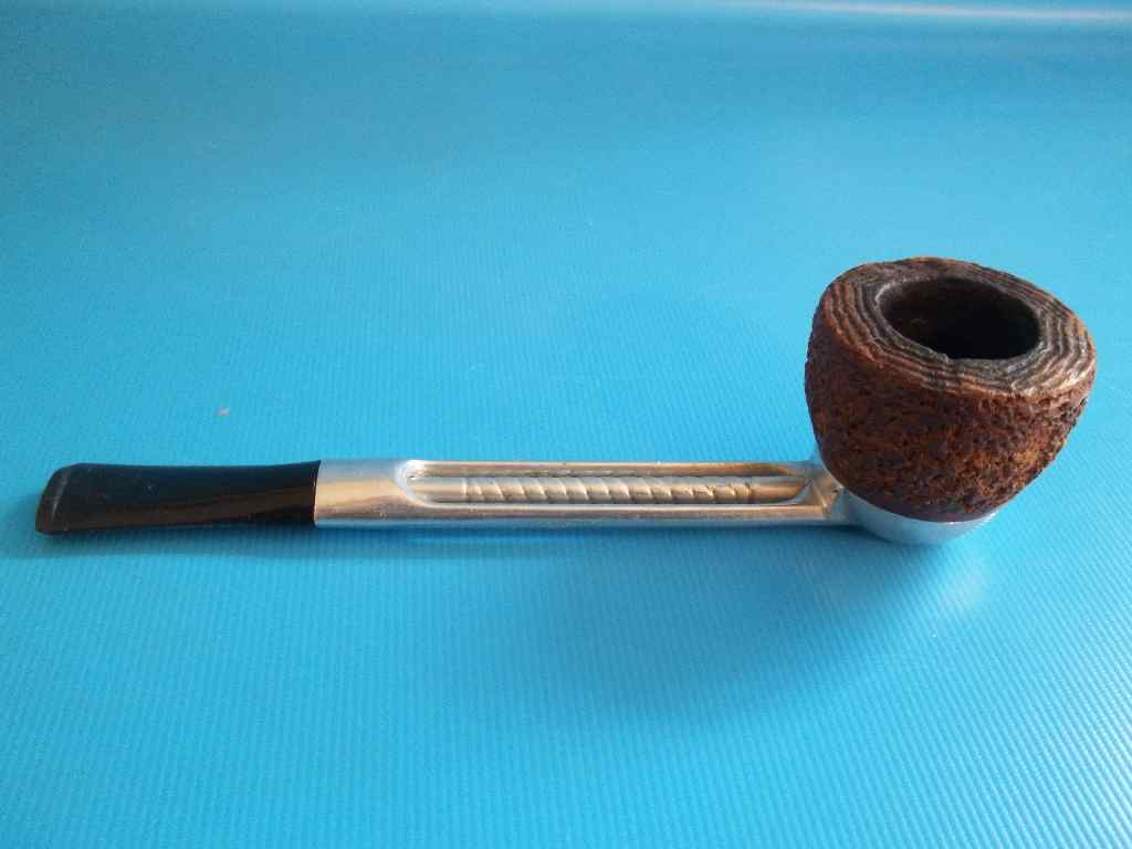 how to clean falcon pipe