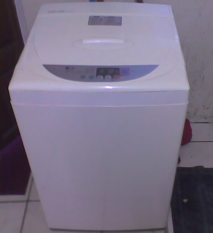 Washing Machines - LG Fuzzy Logic - top loader 8kg - ( model WF