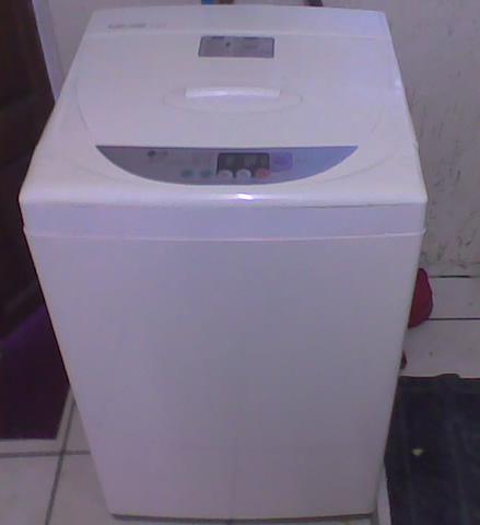 Washing Machines - LG Fuzzy Logic - top loader 8kg - ( model WF