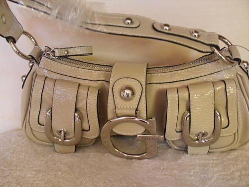 100% A U T H E N T I C *** Guess Handbag Sale